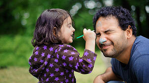 daughter-painting-dad